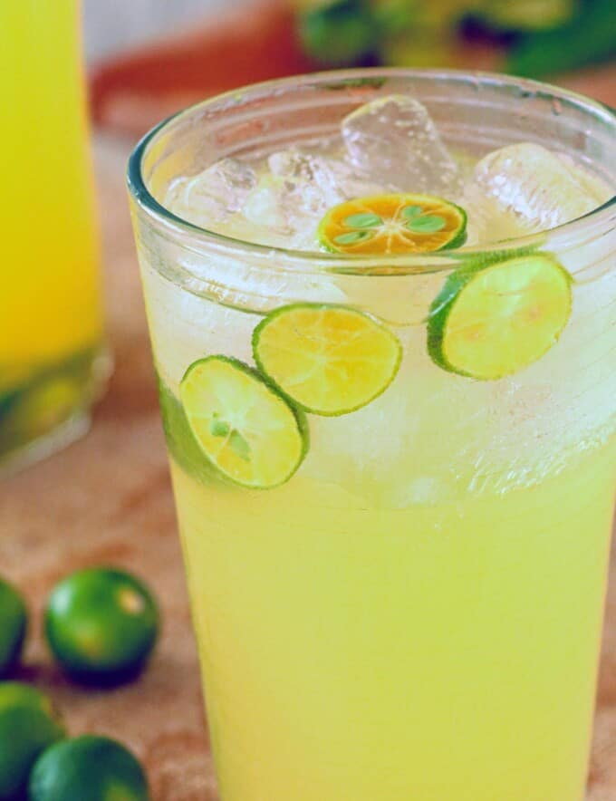 calamansi juice in a glass