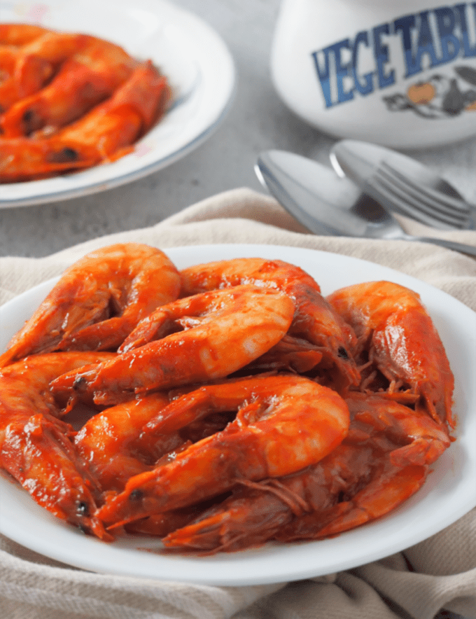 Shrimp with Oyster Sauce on a white serving plate