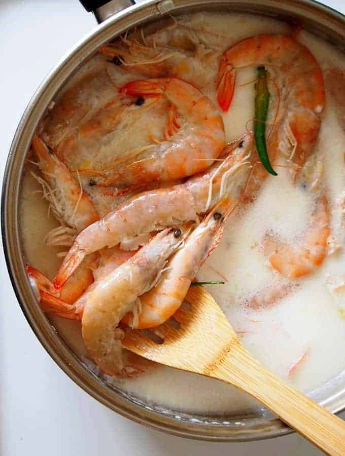 cooking shrimp in coconut milk and peppers