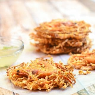 Ukoy na Togue made with beans sprouts, carrots and shrimp. Crispy and tasty, these vegetable and shrimp fritters are the perfect snack!