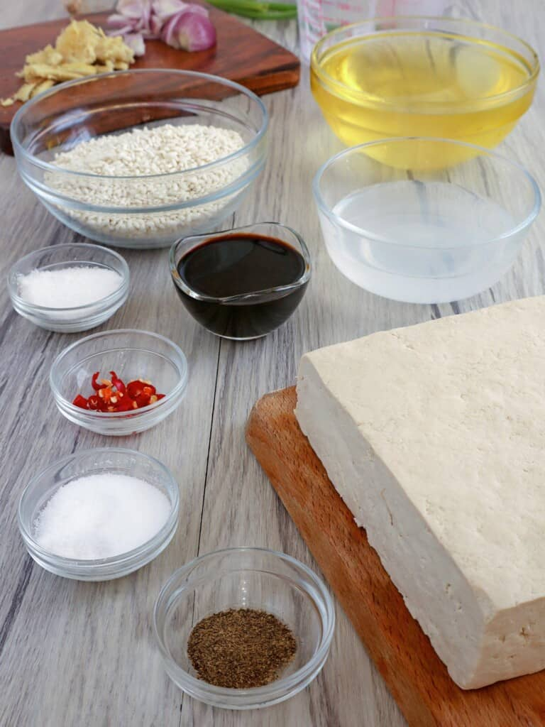 tofu block, pepper, salt, sugar, glutinous rice, oil, vinegar, soy sauce, chili peppers, ginger, onion
