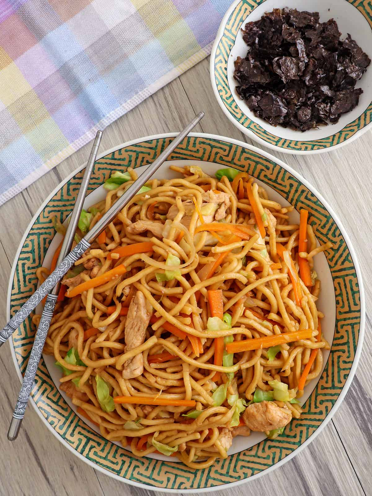 chicken yakisoba on a serving plate