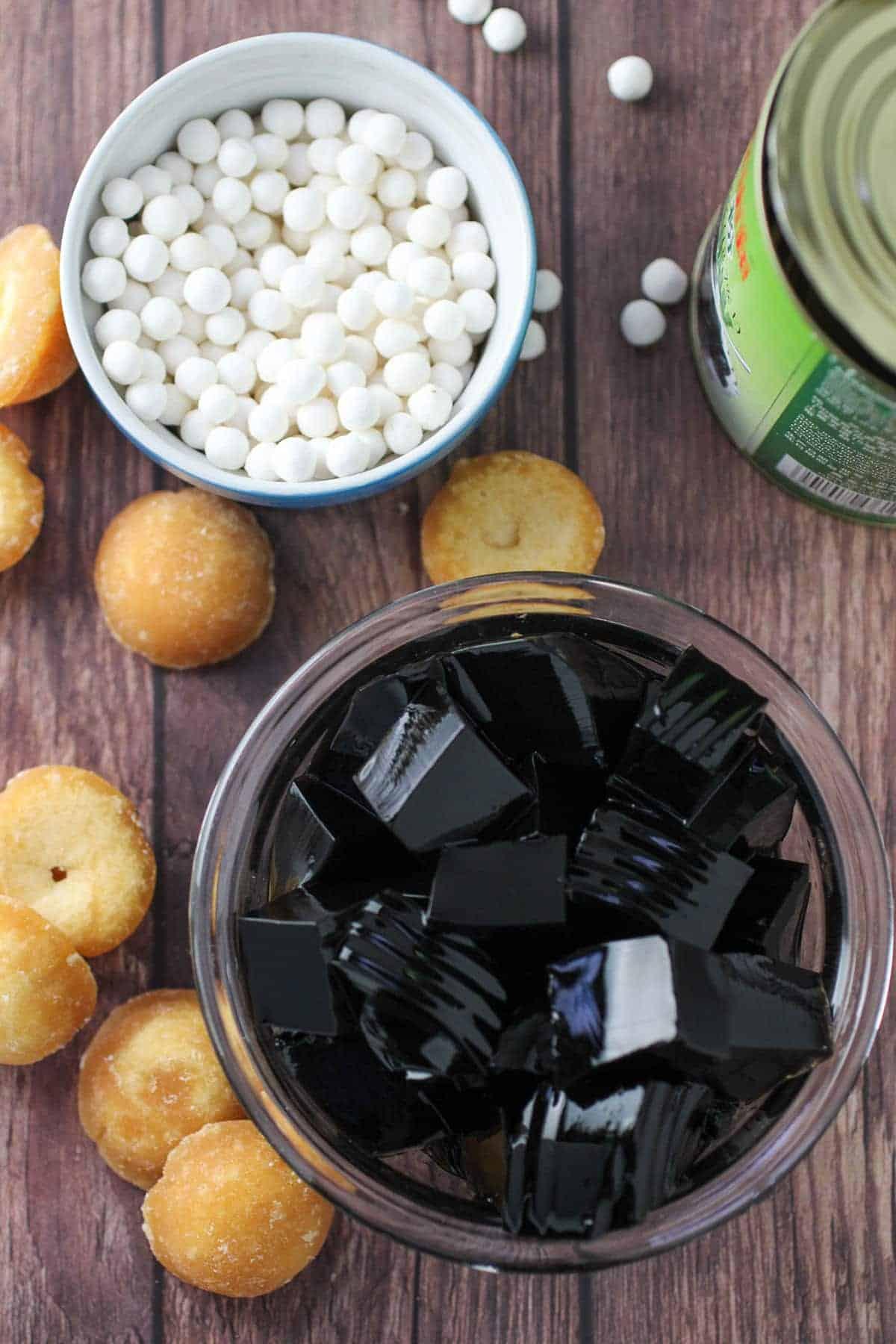 uncooked sago, black jelly cubes, panutsa