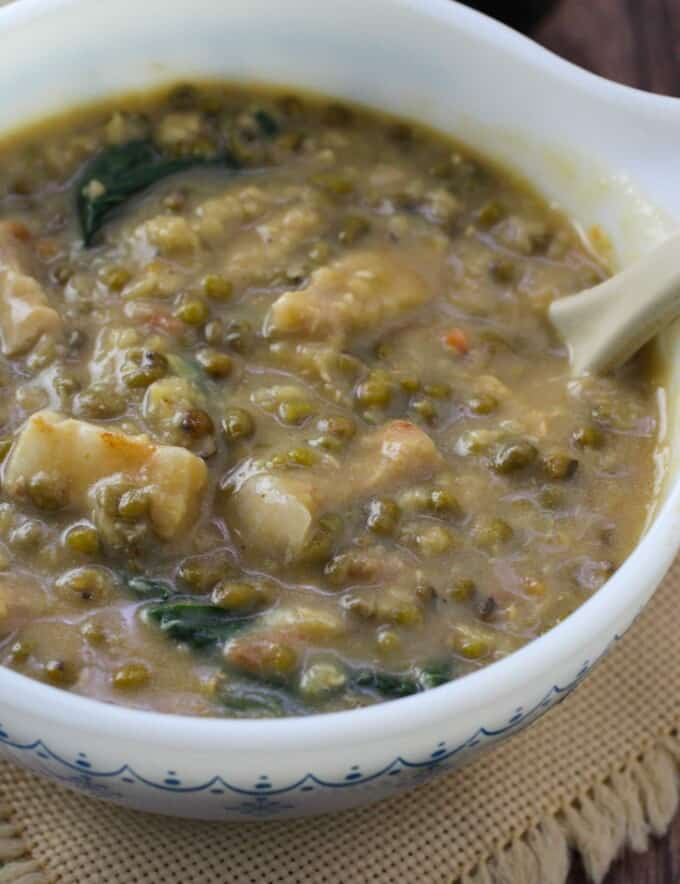 creamy mung bean soup with pork in a serving bowl