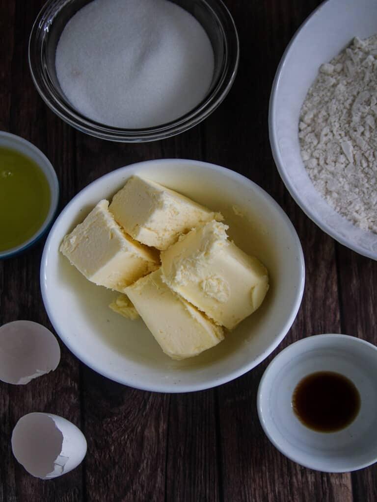 cubed butter, sugar, flour, eggs, vanilla extract, salt