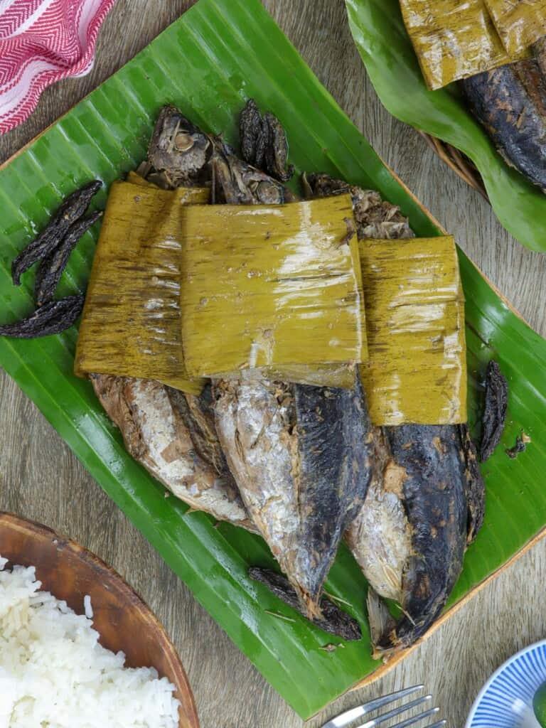 Sinaing na Tulingan on a banana-lined platter