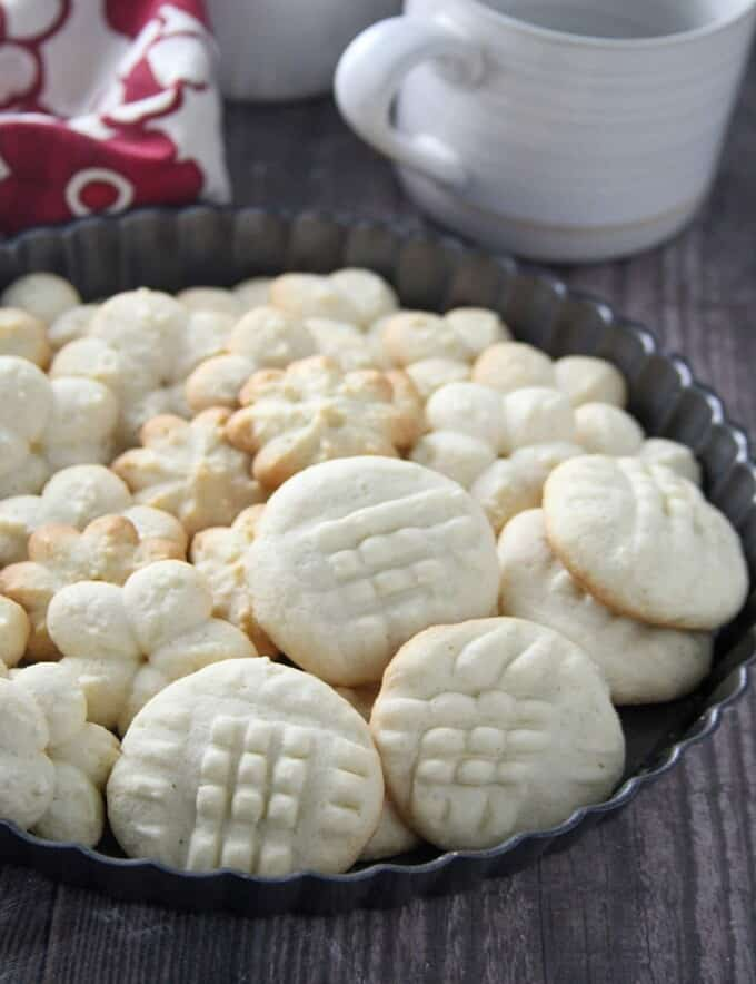 Uraro Cookies in a pan